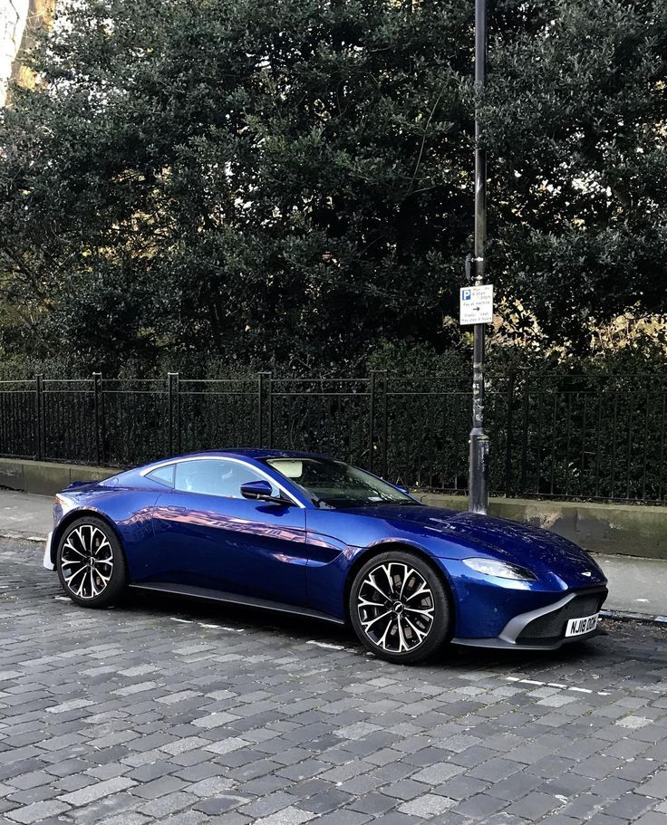 Aston Martin Vantage (avec images)