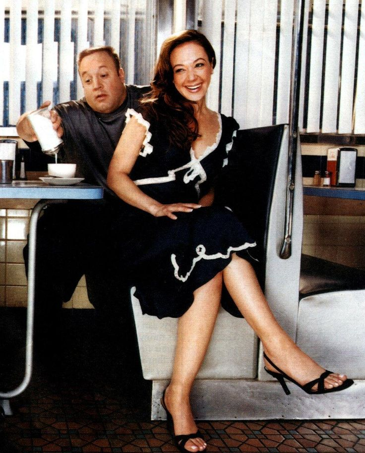 Doug and Carrie,  my favorite t.v. couple.King Of Queens
