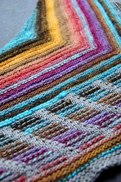 Metalouse shawl : Knitty Winter 2012