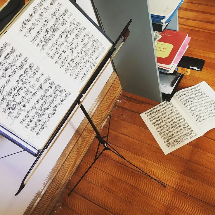 Spending my morning with copies of Bach Cello Suite No. 5 penned by Anna Magdalena Bach and and Johann Peter Kellner. Not pictured: a lute transcription in Bach's own hand. #sourcematerial #manuscript #bach #bachcellosuites #cello #cellist #baroque #baroquecello #baroquemusic #baroquecellist #earlymusic #historicalperformance #cellolife #cellolove #celloplayer #sheetmusic #music #practicing #practiceroom #practicetime #violoncello #music #musica #musique #musician #freelancemusician by…