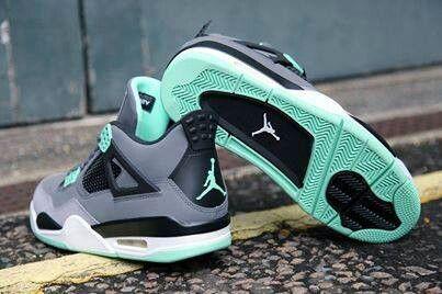 Air Jordan 4 menta