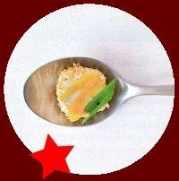 Geitenkaasrolletjes met sesam en abrikoos