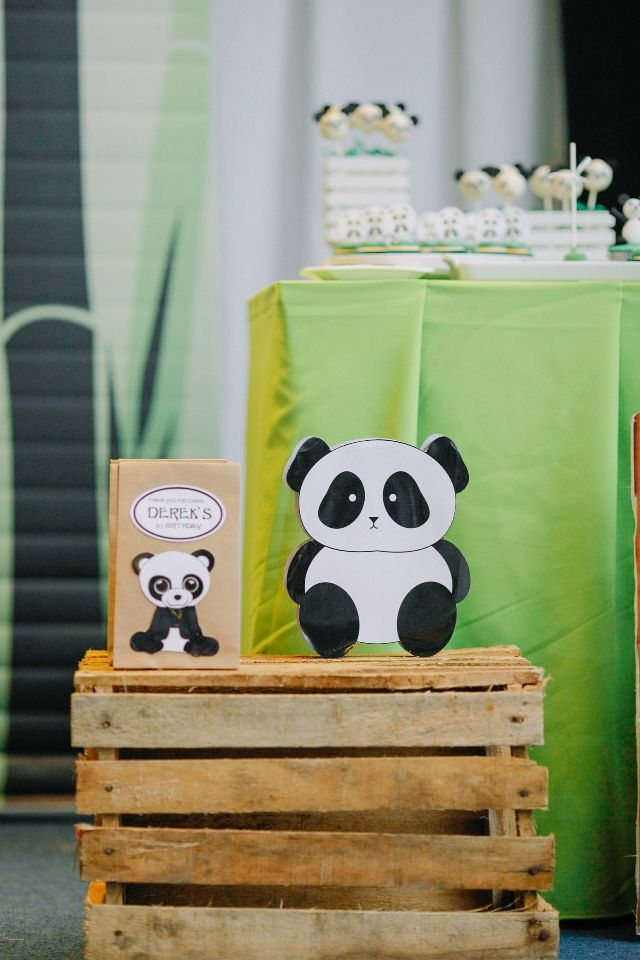 Derek's Panda Themed Party – Party Favors