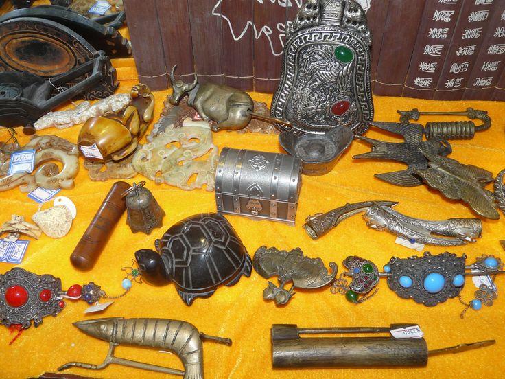 Items for sale, Run-Ze Jade Garden, Beijing, China. October 2011