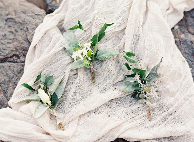 Utah Canyon Bridal Inspiration by Joey Kennedy Photography | Wedding Sparrow