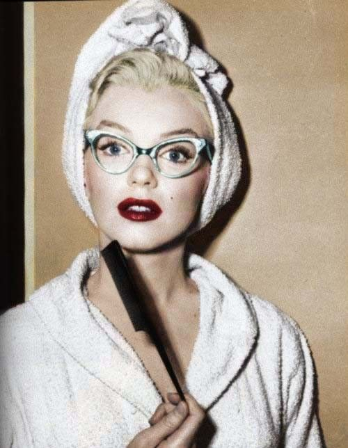 """""""We should all start to live before we get to old. Fear is stupid. So are regrets.""""     -Marilyn Monroe: Celebrities Style, Marilyn Monroe, Cat Eyes, Cateye, Beautiful, Marilynmonroe, Norma Jeans, Cat Eye Glasses, Geek Chic"""