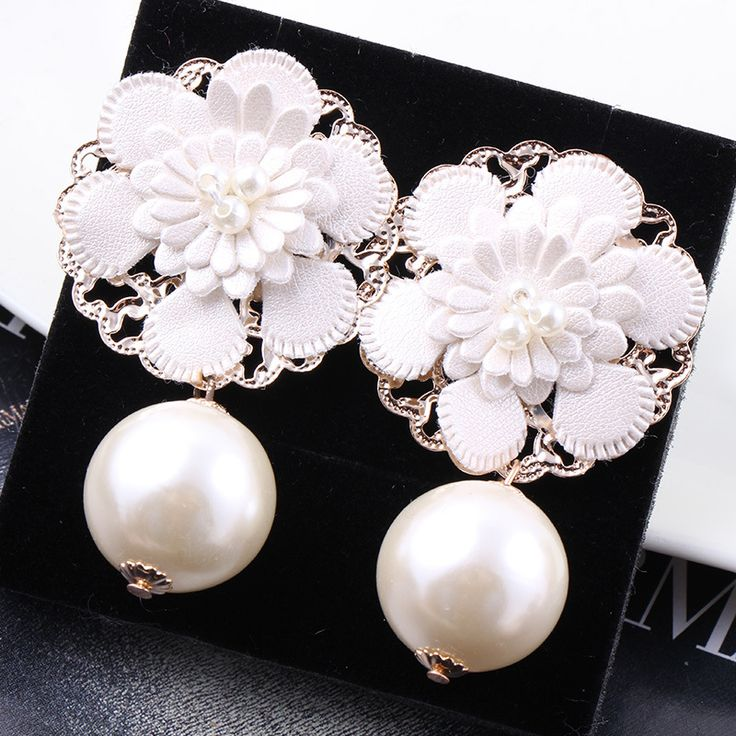 Find More Drop Earrings Information about Korea New Flower Drop earrings Europe Exaggerated high grade pearl earrings fashion jewelry for women lady C115,High Quality earrings spring,China earring pads Suppliers, Cheap jewelry mystic from The Sunny Day on Aliexpress.com