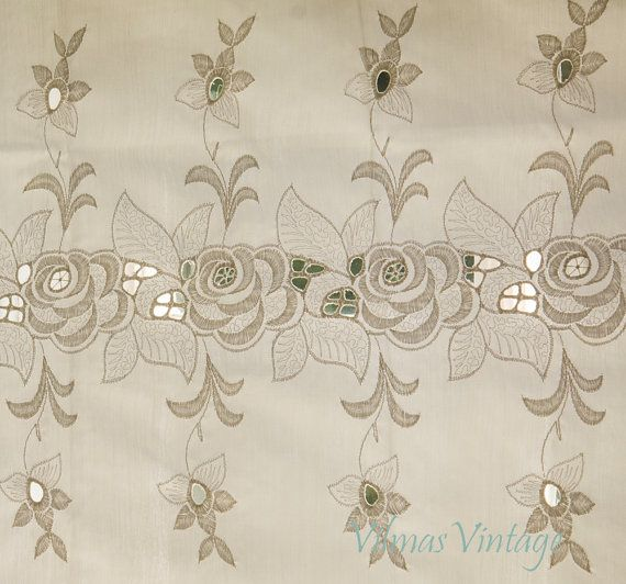 Vintage Eyelet Lace Valance Curtain Shabby Shic by VilmasVintage