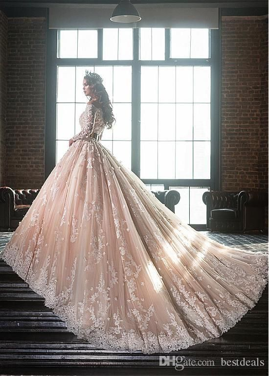 Vintage Boat Neck Long Sleeve Lace Appliques Ball Gown Wedding Dresses 2018  Luxury Flowers Puffy Champagne 7ce10598c2d7