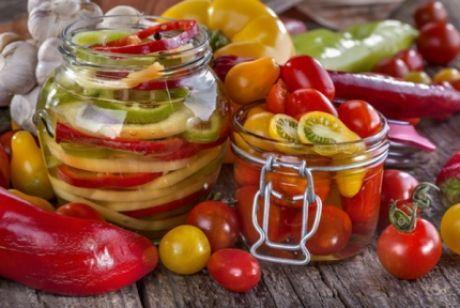 Консервированные салаты: заготовки на зиму Как приготовить вкусные консервированные салаты на зиму. Рецепты приготовления салатов на зиму. Всё про заготовки на зиму.