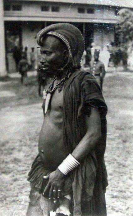 Africa   Bambala Chief.  Kwango district.  DR Congo .  ca. 1935.    Scanned postcard; published by Lammeretz.