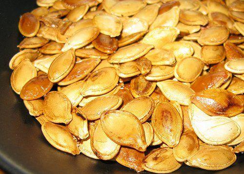 Las semillas de calabaza son unas de las más nutritivas que existen. Cuando son tostadas tienen un sabor suave y dulce –similar a la nuez- con una textura masticable.
