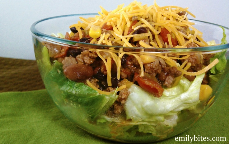 Slow Cooked Taco Chili (Salad) | Emily Bites - Weight Watchers Friendly RecipesCrock Pots, Chilis Salad, Slow Cooking, Weights Watchers, Tacos Salad, Slow Cooker, Emily Bites, Cooking Tacos, Tacos Chilis