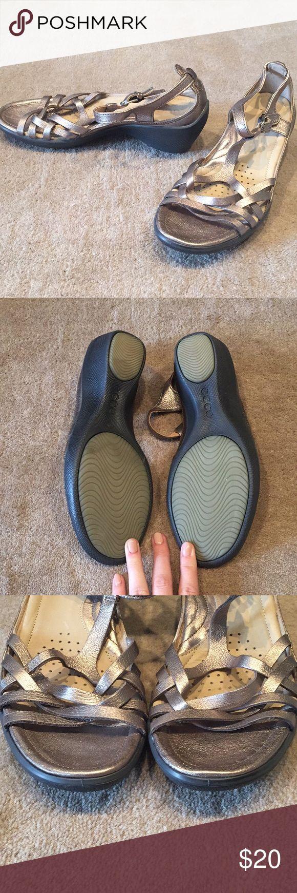 Ecco Sandal Metallic Ecco Sandal Worn once Ecco Shoes