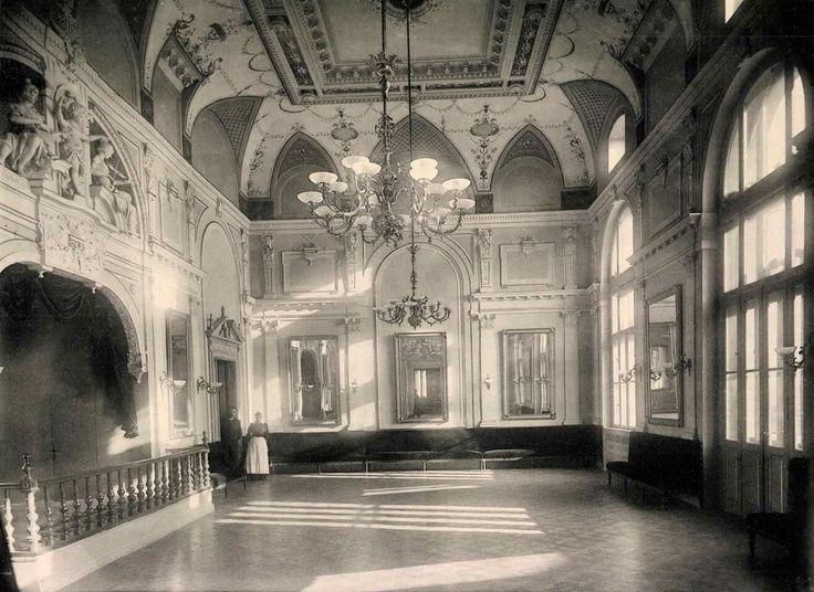 1893. Krisztina tér, Alagút utca sarka, Budai Polgári Kaszinó díszterem (terv: Francsek Imre, fotó: Divald Károly)