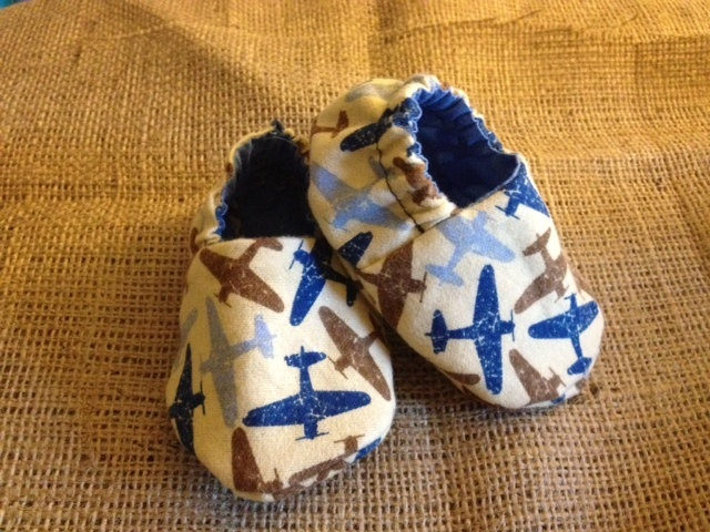 Airplane Air Force Baby Shoes. $13.00, via Etsy.