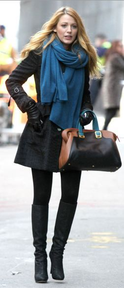 Who made Blake Lively's handbag that she wore in New York on December 14, 2011?