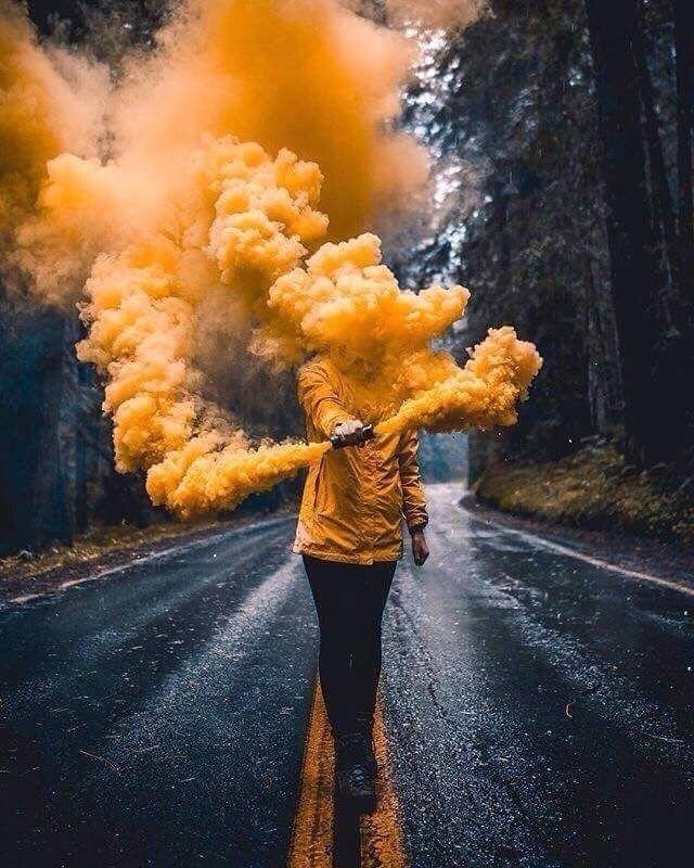 Pin Von Iris Auf Wandgestaltung: Zufällige Bilder, Rauchbomben
