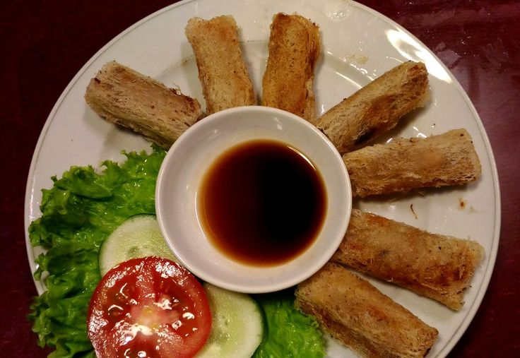 Cha Gio - Fried Vietnamese Spring Rolls - Must Try Foods in Hoi An Vietnam