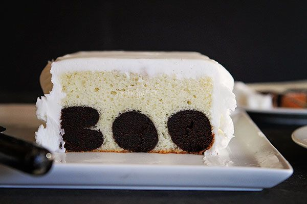 Surprise Inside Cake! The PERFECT #Halloween #cake!