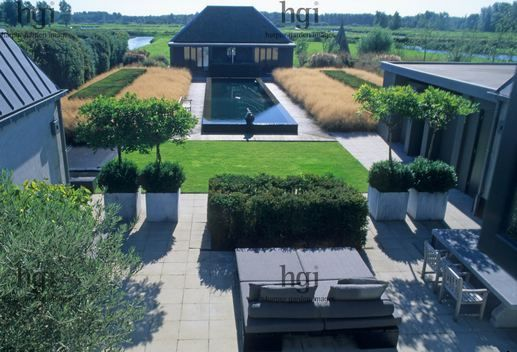 Design: (Planting) Piet Oudolf. Owner and architect Piet Boon.