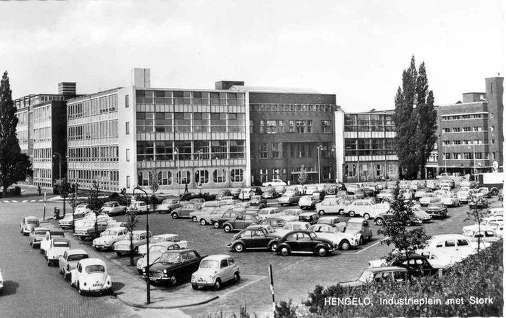Het Industrieplein in Hengelo omstreeks 1964