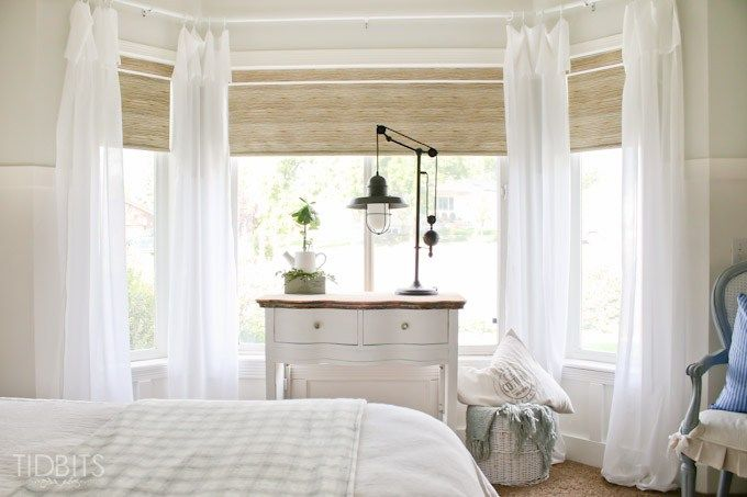 Love this bay window with breezy white curtains eclecticallyvintage.com