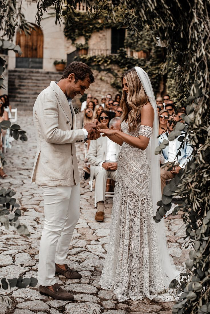 Boho Luxe Wedding Mallorca Finca Commasema Pin Discovered By Kelly S Closet Bridal Bout Beach Wedding Dress Boho Wedding Dresses Lace Boho Wedding Dress Lace [ 1102 x 736 Pixel ]