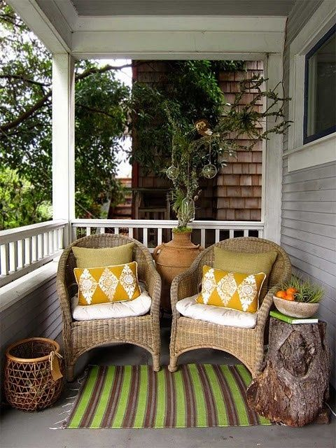 30 Cool Small Front Porch Design Ideas Read more: http://www.digsdigs.com/30-cool-small-front-porch-design-ideas/#ixzz2tgrk1PCn