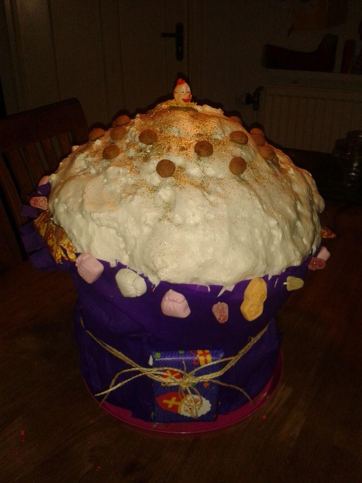 cupcake Surprise (emmer met purschuim) | suprise sint ...