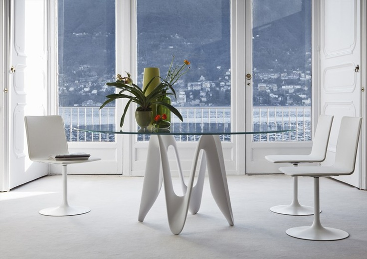 Glass Table with base in Cristalplant LAMBDA by SO.VE.T. | Design Gianluigi Landoni @SovetItalia: Lambda Dining, Contemporary Dining, Rooms Tables, Lambda Milanodegr, Italian Design, Tables Lambda, Sovet Lambda, Dining Tables, Glasses Tables