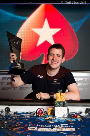 Tom Middleton este tanarul ce a castigat in 7 septembrie primul titlu de campion EPT 10, in Main Event Barcelona, si 924.000 Euro.
