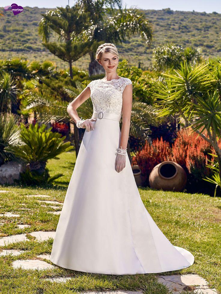 Bijoux, collection de robes de mariée - Point Mariage http://www.pointmariage.com/