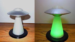 Les 25 meilleures id es concernant soucoupe volante sur pinterest dessins d - Lampe soucoupe volante ...
