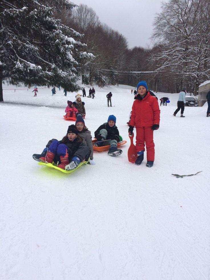 siamo partiti per fare la nostra gita sulla neve in Campania alla volta di Lago Laceno in provincia di Avellino ci sono le piste da sci. http://www.blogfamily.it/28042_gita-sulla-neve-in-campania/