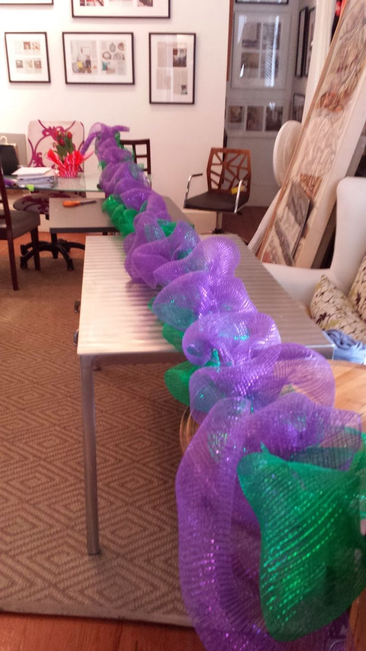 Nadia's DIY Projects: DIY Deco Mesh Garland