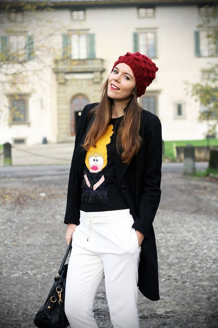 white pants, wool hat black coat funny tee red lips irene colzi irene's closet fashion blogger outfit streetstyle www.ireneccloset.com