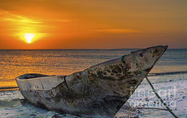 Sunset ad Zanzibar #sunset #zanzibar #canoe #beach #tanzania #poster #canvas #print #fineart #photo