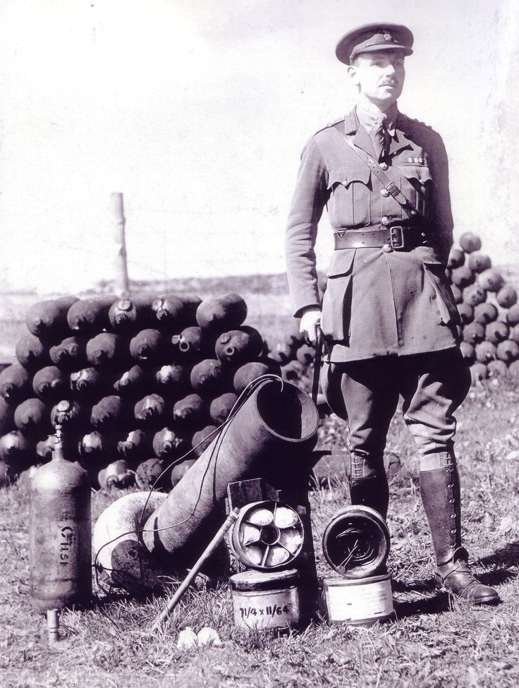 WWI - Triple Entente Field Guns & Mortars: Livens with his 'Livens Projector'. The Livens Projector was a simple mortar-like weapon that could throw large drums filled with flammable or toxic chemicals. In the First World War, the Livens Projector became the British Army's standard means of delivering gas attacks and it remained in its arsenal until the early years of the Second World War.