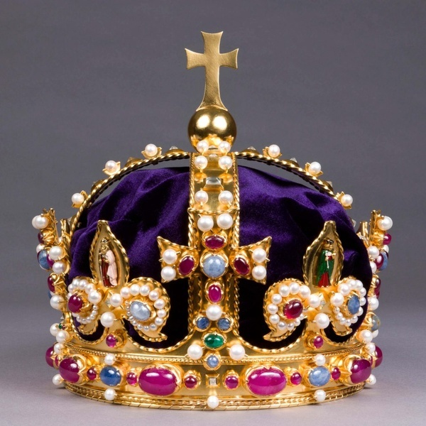 Replica of Henry VIII.s Crown, created by The Crown Jeweller Harry Collins. The original was destroyed after the English Civil War. The original was made for either Henry VIII. or his father, Henry VII., and was worn in the coronations of Henry VIII.s children, and their successors, James I. and Charles I.