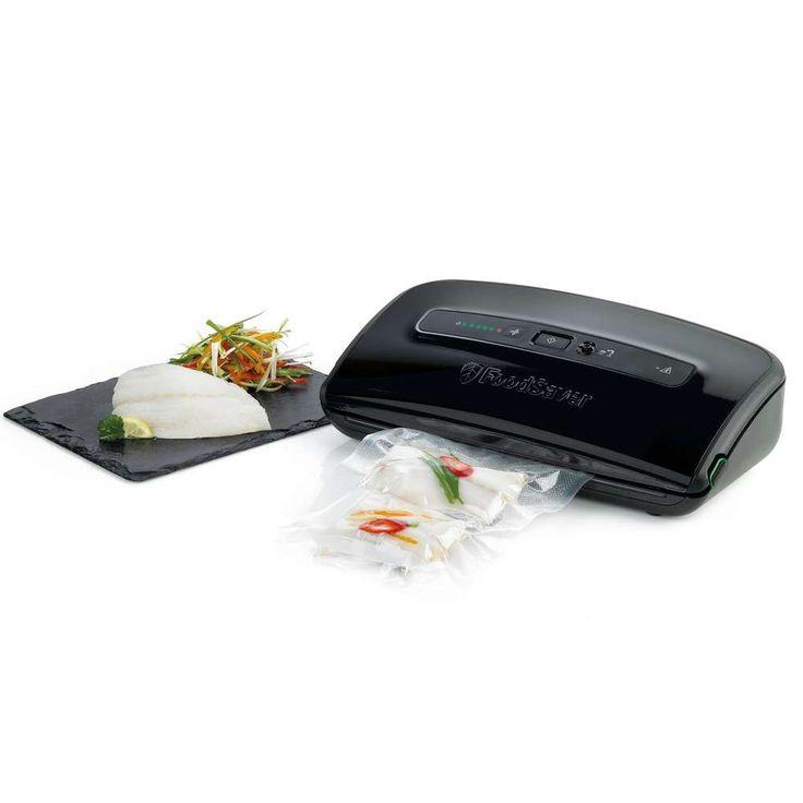 Foodsaver FSV002 basic zwart met rolinleg € 104,- Materiaal: ABS   Accessoires  Folierol 28 x 304 cm 5x Vacuümzak 20 x 29 cm 5x Vacuümzak 28 x 36 cm Vacumeerslang