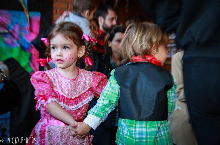 E pra fechar com chave de ouro o Mês Junino, hoje a Festa é dela !!! ❤️❤️❤️ #festajunina  #caipira  #amormaior #vickyphotos @vicky_photos_infantis https://www.facebook.com/vickyphotosinfantis http://websta.me/n/vicky_photos_infantis https://www.pinterest.com/vickydfay https://www.flickr.com/vickyphotosinfantis