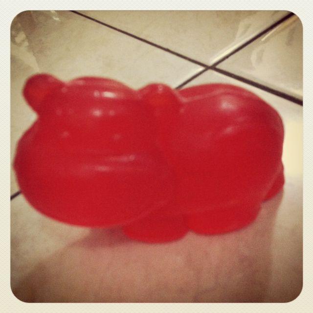Fungsi ganda buat si kecil : Sabun Mandi sekaligus Mainan ^-^