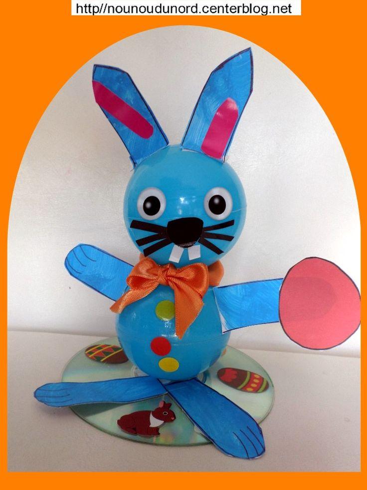 le lapin réalisé avec des balles en plastique bleues par Jules 29 mois  cliquez sur le lien pour voir la réalisation  http://nounoudunord.centerblog.net/4652-lapin-lapine-et-poussin-crees-avec-des-boules-en-plastique