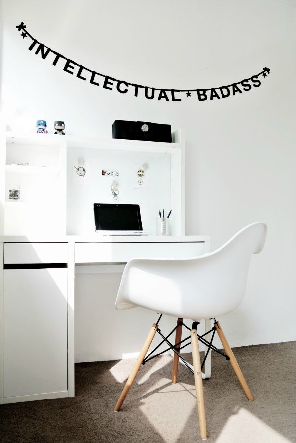 Today I want to show you a simple and cute monochrome boy's room. Black and white is a great background for a clean and bright child's room. White is the main colour in this bedroom andyou'll find it in furniture, walls and floor. Black adds graphic accents to the room. Letters and numbers are […]