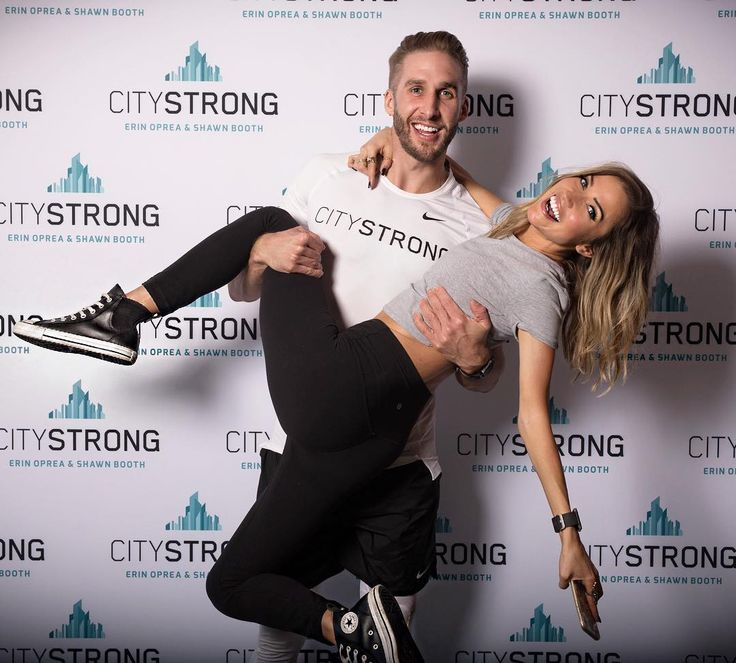 Kaitlyn Bristowe is letting Mike Fleiss have it and claiming The Bachelor and The Bachelorette creator has treated the franchise's male and female stars differently. #TheBachelor #Bachelor