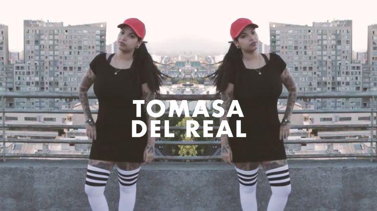 En un nuevo episodio de TrapDealers, entrevistamos a la reggaetonera y tatuadora Tomasa del Real sobre su rol en el movimiento y relación con el trap. De la nueva generación de artista independientes, podríamos decir que una de las más importantes y rompe esquemas es nada menos que Tomasa del Real. Partiendo por que es …