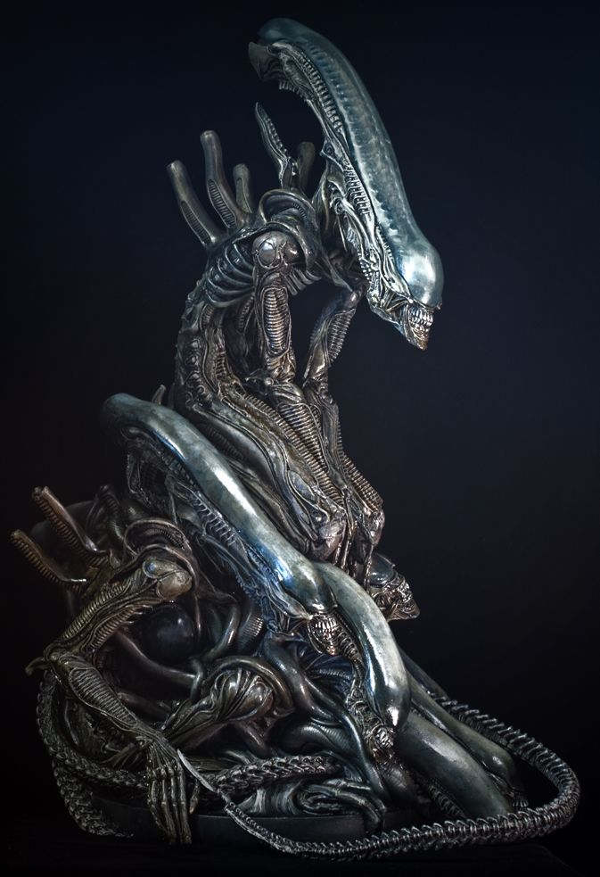 Alien Pile by sivousplay on deviantART Alien Pile (1/6 scale) from FEWTURE models sculpted by Takayuki Takeya and hand-painted w/ acrylics and inks.