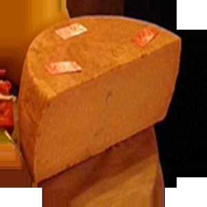 TOMA.  Tipico formaggio stagionato con crosta rugosa di colore giallo paglierino intenso, ottenuta da latte di vacche podoliche e meticce. L'area interessata al pascolo degli animali e alla produzione di questo formaggio è quella del massiccio del monte Marzano, territorio a cavallo tra i comuni di Castelnuovo di Conza, Laviano, Santomenna e Pescopagano.