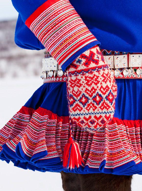 photo credit Laila-Duran ... Norwegian mittens; specifically Laplander, or Suomi, mittens.